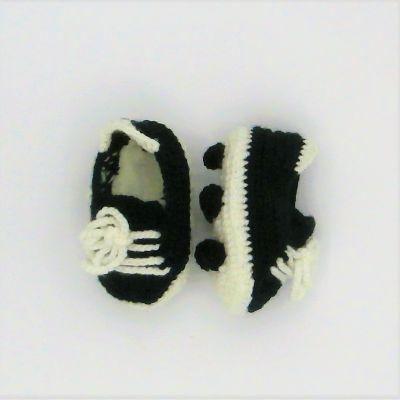 Botas de fútbol negras y blancas addidas de crochett