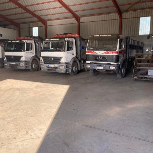 Disponemos de un amplia flota de camiones y vehículos ligeros
