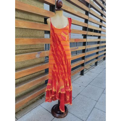 Vestido naranja hilos