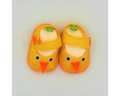 Zapatitos de fieltro con pollitos