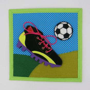 ata_las_botas_de_futbol