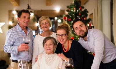 Consejos para el cuidado del audífono en Navidad