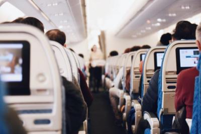 Viajando con audífonos