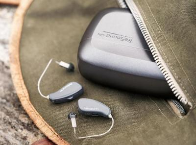 ¿Los audífonos se utilizan sólo en un oído?