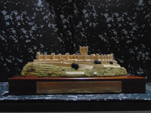 Premio Castillo de Oro al mejor vino de Castilla y Leon y Portugal 2004