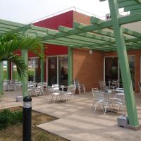 varios terraza hotel 1.png